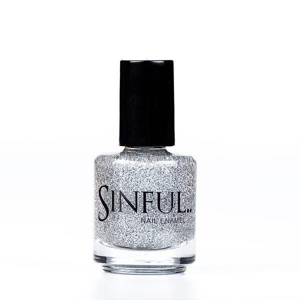 Cosmic Silver glitter Can be layered up to create a full glitter effect, or used on top of another colour to create a top coat glitter effect. 15ml