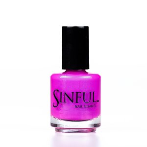 Stand out from the crowd with our brightest purple Drama Queen. Sinful always recommends applying two coats of polish to give a solid colour, then applying top coat to extend the wear-time of the polish. 15ml