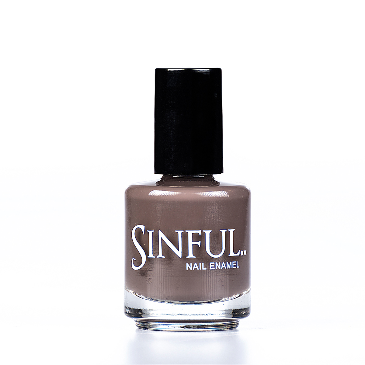 A warm, earthy tone, this colour is gorgeous with all skin tones. Sinful always recommends applying two coats of polish to give a solid colour, then applying top coat to extend the wear-time of the polish.