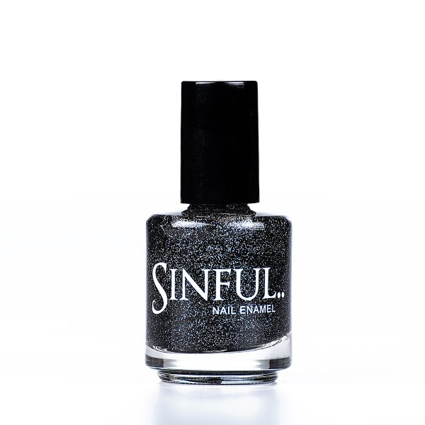 Black and pewter glitter. Sinful always recommends applying two coats of polish to give a solid colour, then applying top coat to extend the wear-time of the polish. 15ml