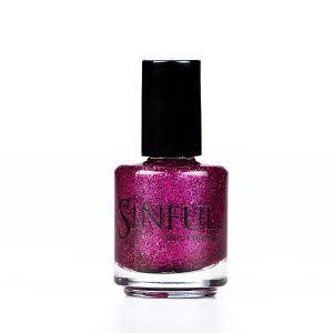 Fuchsia glitter Can be applied over a pink undercoat to give a quick, dazzling effect. For a super full nail glitter effect, apply 2-3 layers with a top coat. 15ml