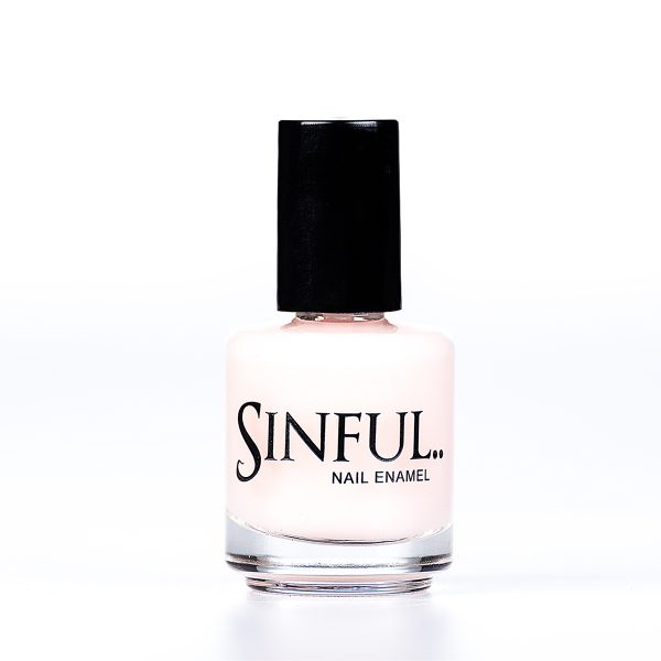 Undercover A matte base coat, protects your nails from any colour dying and gives a smooth base to work on. This polish can also be used as a top coat to give a dusty matte finish effect. 15ml