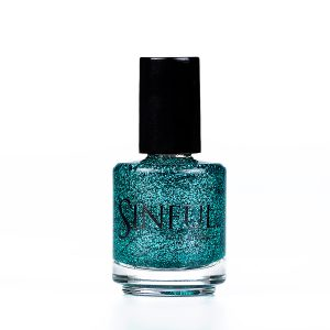 Turquoise glitter - Vixen Can be applied over a green or blue undercoat to give a quick, dazzling effect. For a full nail super glitter effect, apply 2-3 layers with a top coat. 15ml